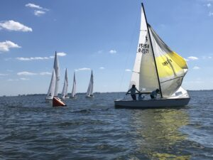 Image of Too Klos 19-footer lightning class sailboat